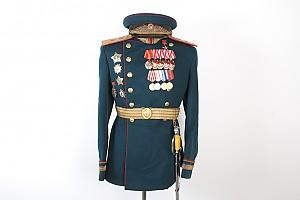 Комплект парадной униформы генерал-лейтенанта бронетанковых войск на Парад Победы